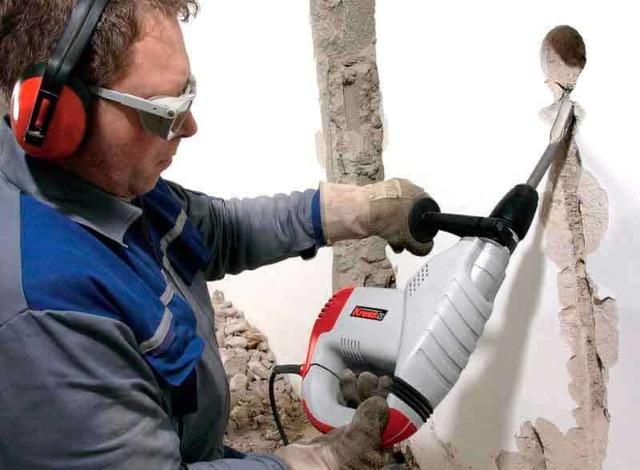 Штробление кирпичной стены: как правильно, что использовать