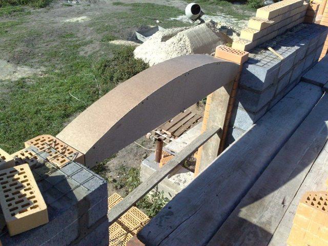 Арка из кирпича: расчет материала, кладка, пошаговая инструкция