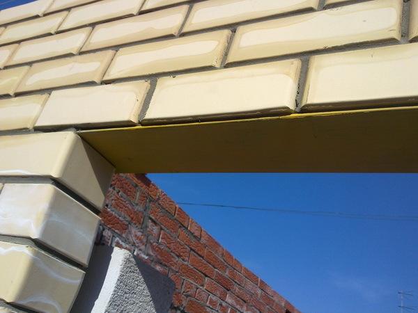 Кладка окна из кирпича: как сделать, отделка участка