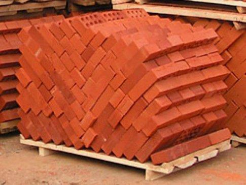 Производство глиняных кирпичей: какое оборудование используется