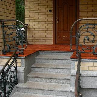 Лестница в доме из кирпича: виды, особенности фундамента