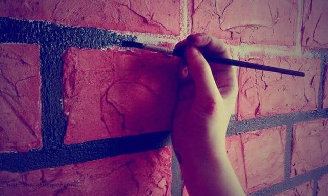 Покраска кирпичной стены: подготовка, варианты