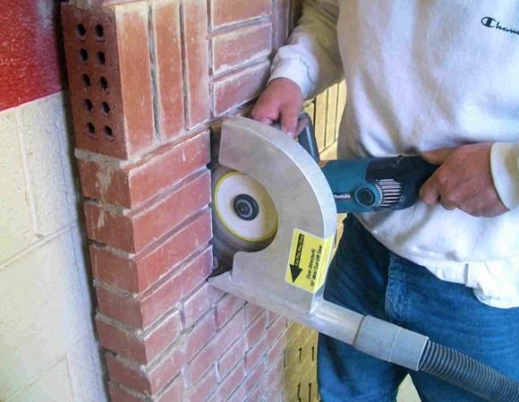 Установка подрозетников в кирпичной стене: подготовка