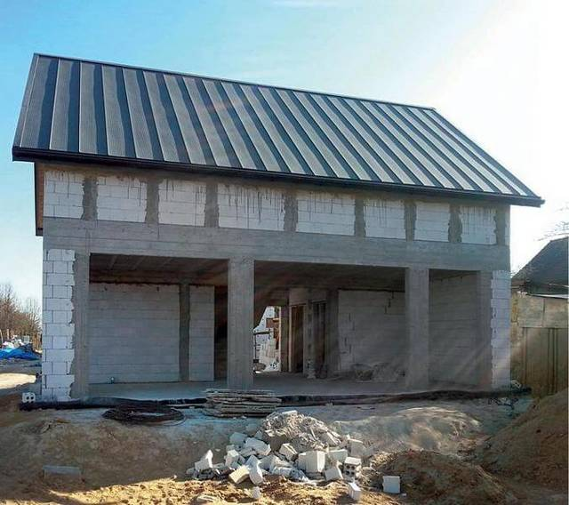 Толщина кирпичных стен в жилом доме: минимальная, максимальная