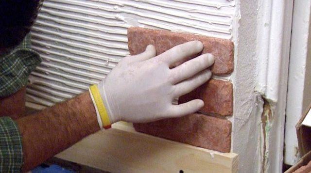 Гипсовая плитка под кирпич: укладка своими руками