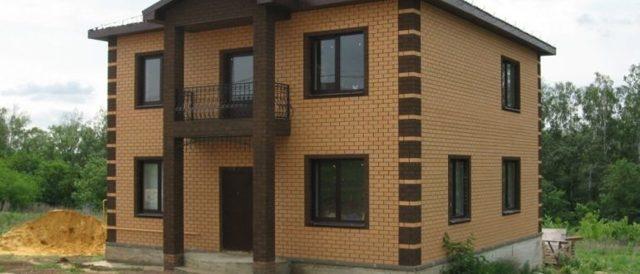Проект кирпичных домов 10 на 10: типы, преимущества