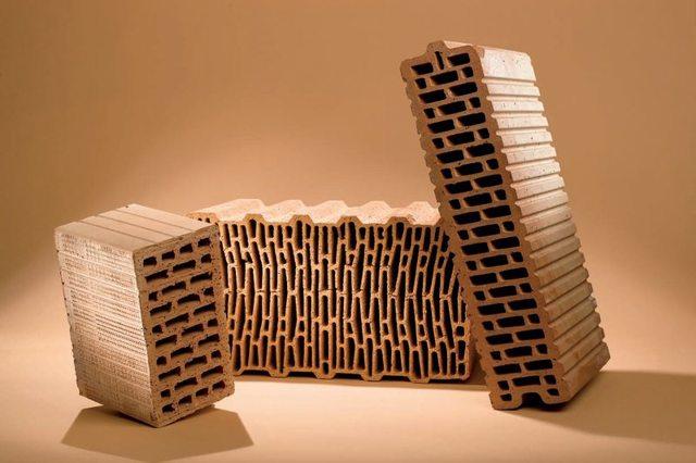 Пустотелый кирпич: укладка, размеры, применение