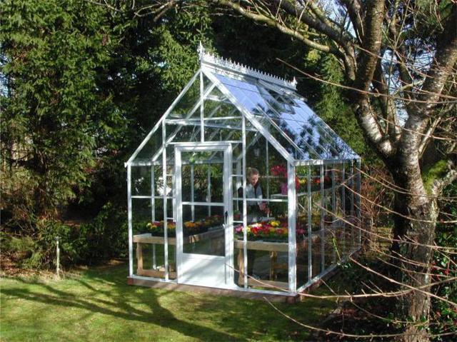 Теплица из кирпича и стекла: преимущества, этапы стройки