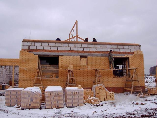 Теплый кирпичный дом: как построить, преимущества