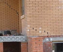 Усадка дома из кирпича: почему происходит, последствия