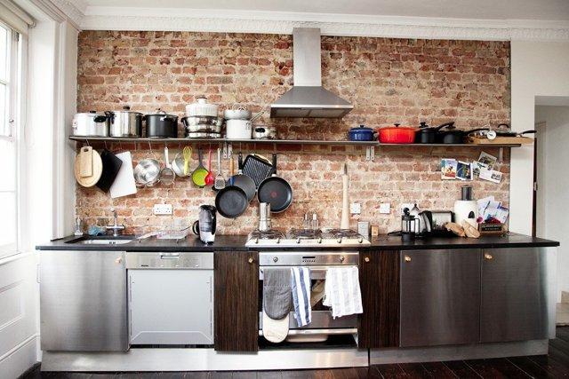 Кирпичная стена на кухне: как выполнить кладку
