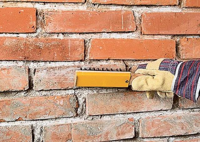 Как облагородить кирпичную стену: материалы и ход роботы