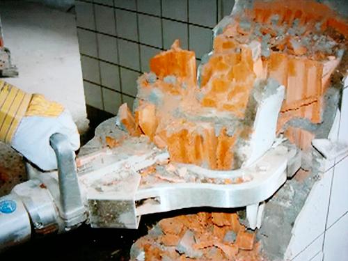 Как разобрать кирпичную печь: подготовка, инструменты