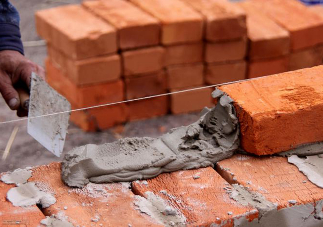 Раствор для кладки кирпича: как сделать, состав, расход