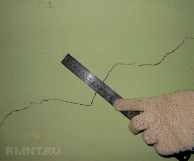 Падает стена из кирпича: что делать и как устранить проблему